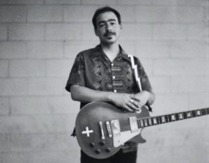 Jason Molina con dos discos tributo Weary Engine Blues y Farewell Transmission