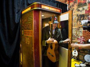 """Neil Young publica """"A Letter Home"""", disco de versiones"""