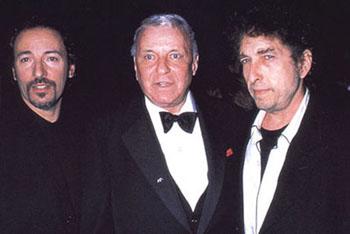 Bob Dylan le canta a Frank Sinatra y publica nuevo discoShadows in the Night