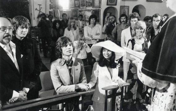Mick Jagger ya es bisabuelo. Jagger junto a Bianca el día de su boda.