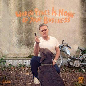 Morrisey muestra la portada de su nuevo disco World Peace Is None of Your Business