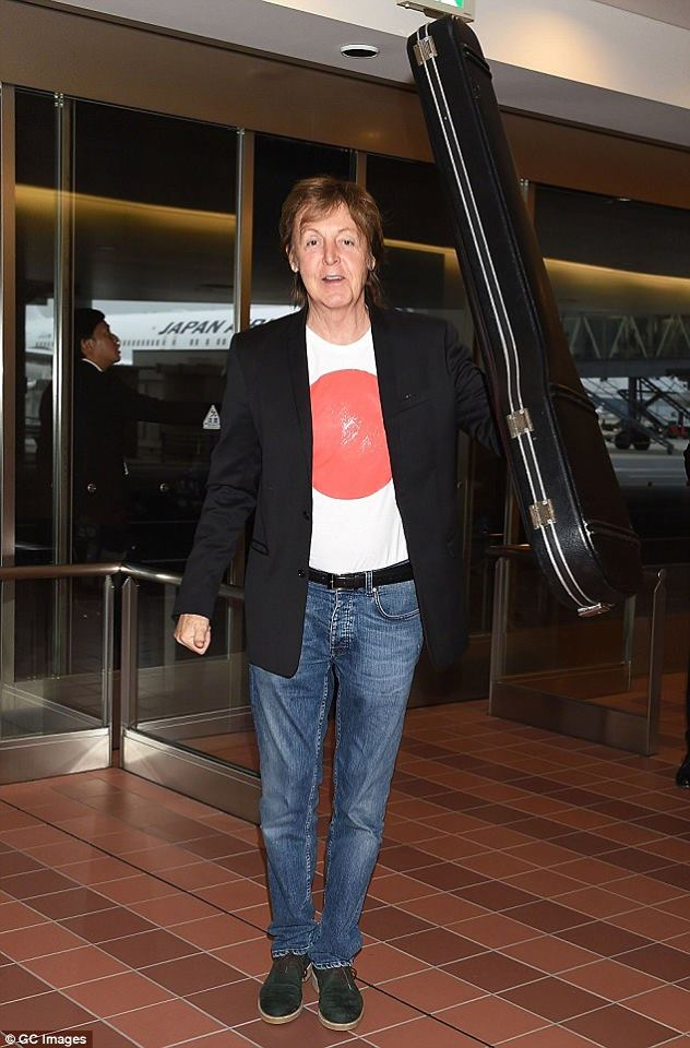 Paul McCartney abandona el hospital tras ser hospitalizado en Tokio