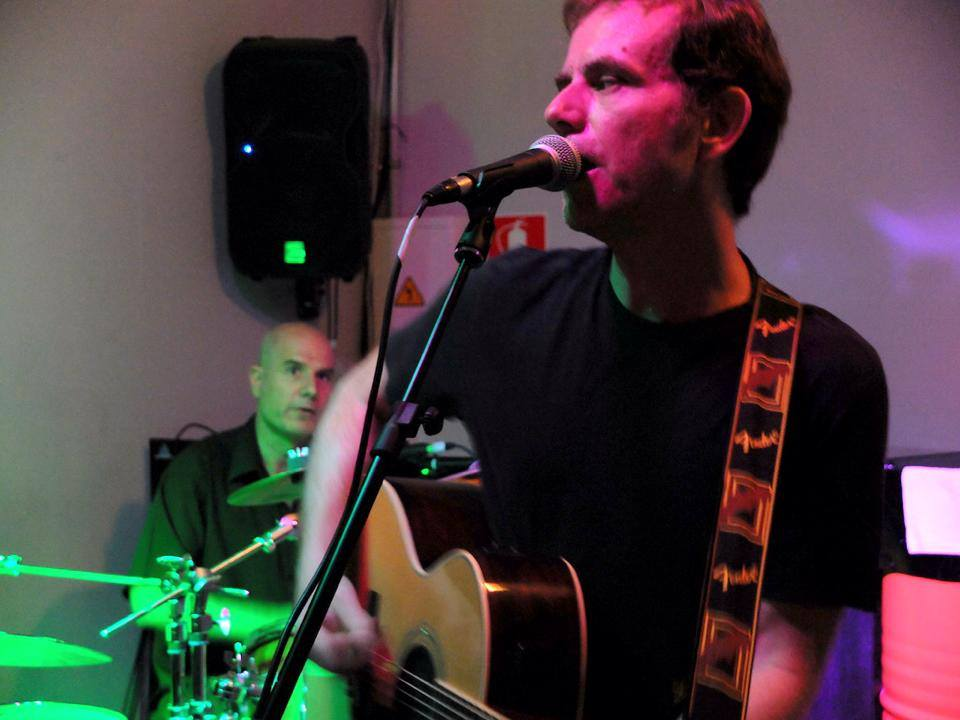 Edui Bercedo y Antonio Koppel en concierto en el Local