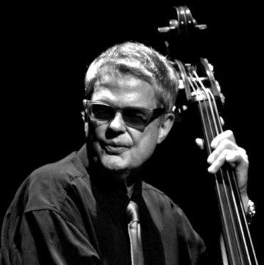 Adiós Charlie Haden contrabajista de Jazz