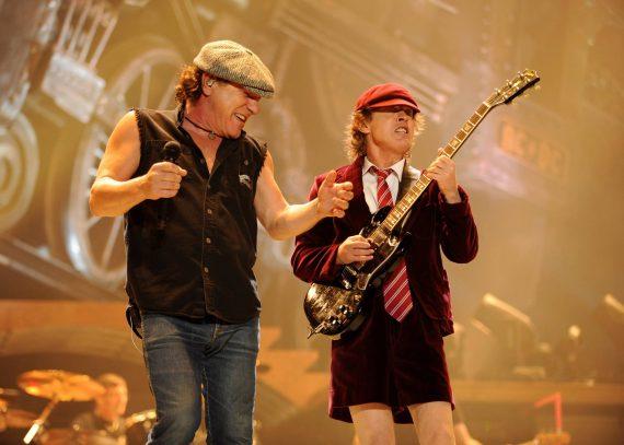 Brian Johnson de AC/DC confirma gira para 2014