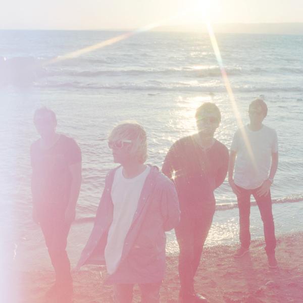 "The Charlatans estrenan nuevo single ""Talking in Tones"""