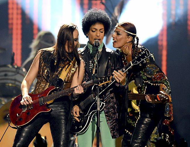 """Prince publica """"Art Official Age"""" y """"PlectrumElectrum"""""""