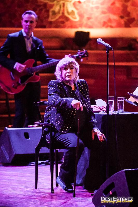 Marianne Faithfull ofrece en Barcelona un concierto emotivo
