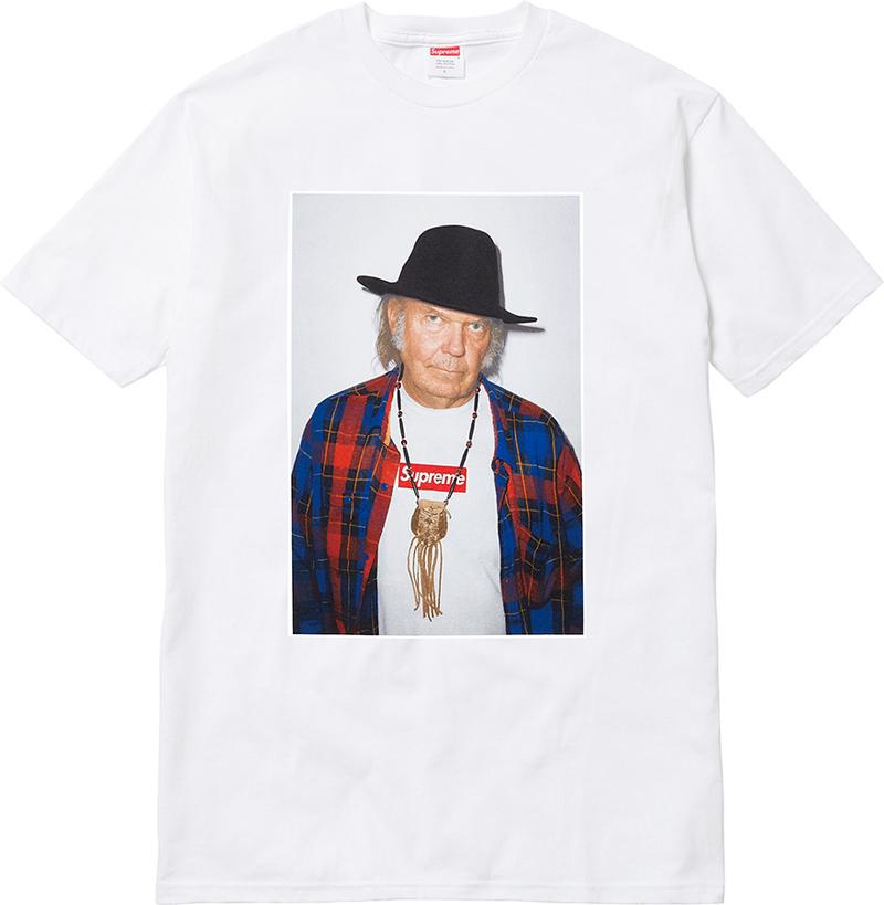 Neil Young imagen de la firma de moda Supreme en sus camisetas.jpg