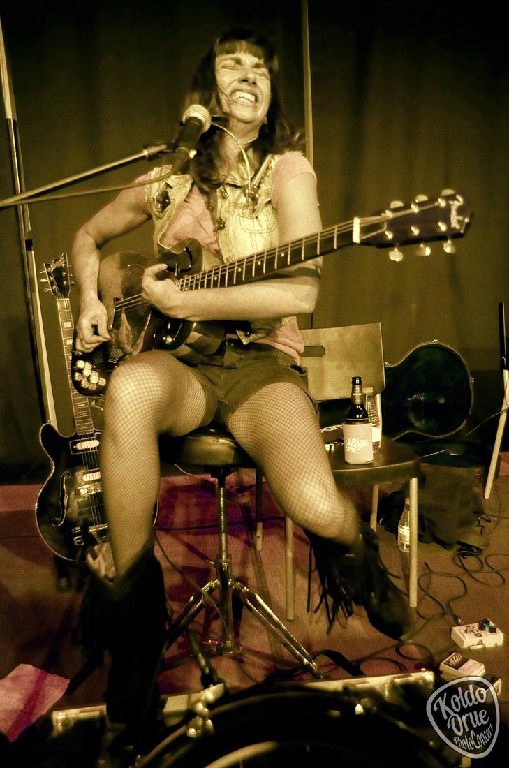 Molly Gene One Whoaman Band Delta Thrash Bilbao 2015.jpg