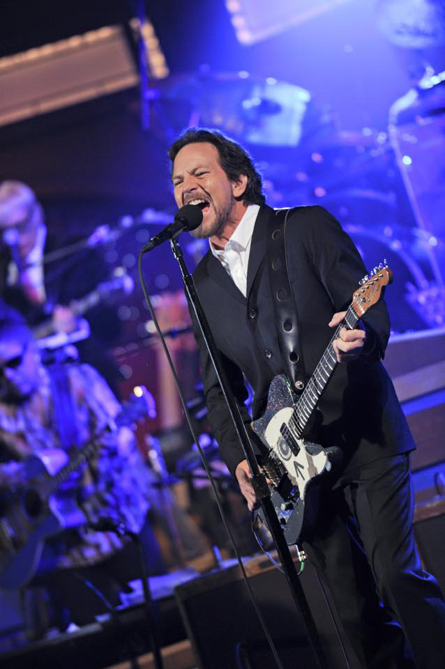 Eddie Vedder se despide de Letterman.jpg