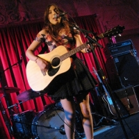 Sasha McVeigh concierto en Londres con Will Hoge