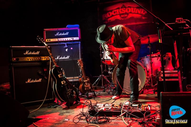 Caustic Roll Dave en concierto Barcelona 2015.6