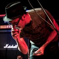 Caustic Roll Dave en concierto Barcelona 2015.2