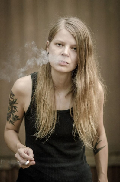 Sarah Shook & the Disarmers publica Sidelong