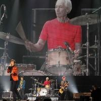 The Rolling Stones ofrecen su primer concierto en Lima, Perú.2