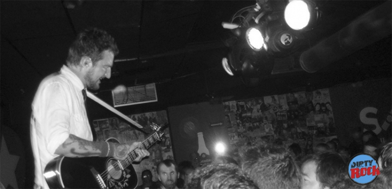 Frank Turner & The Sleeping Souls y sus canciones positivas Loco club