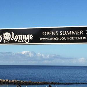 rock lounge beach