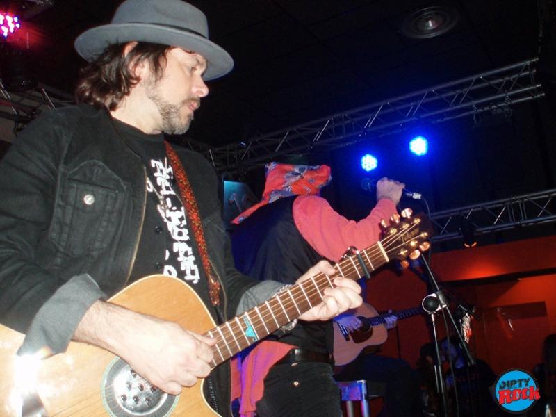 The Quireboys presentaron en su gira acústica nuevo disco Twisted Love 2016