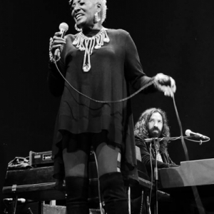 Marta High presentó su nuevo disco Singing For The Good Times en Madrid.7