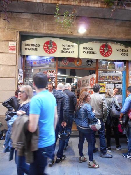 Discos Revolver cumple 25 años de música en Barcelona Calle Tallers