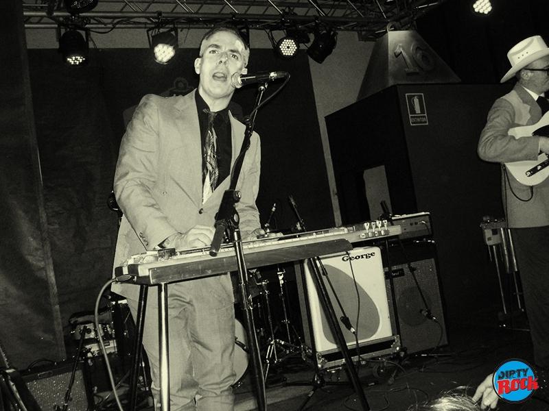 Ray Collins' Hot Club y Los Locos del Oeste Valencia