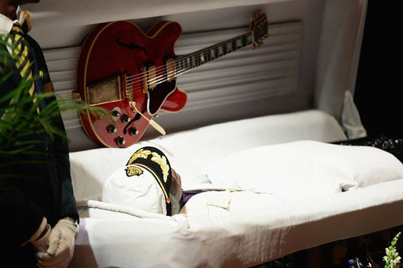 Funeral de Chuck Berry con Billy Peek, Gene Simmons y Keith Richards 2017