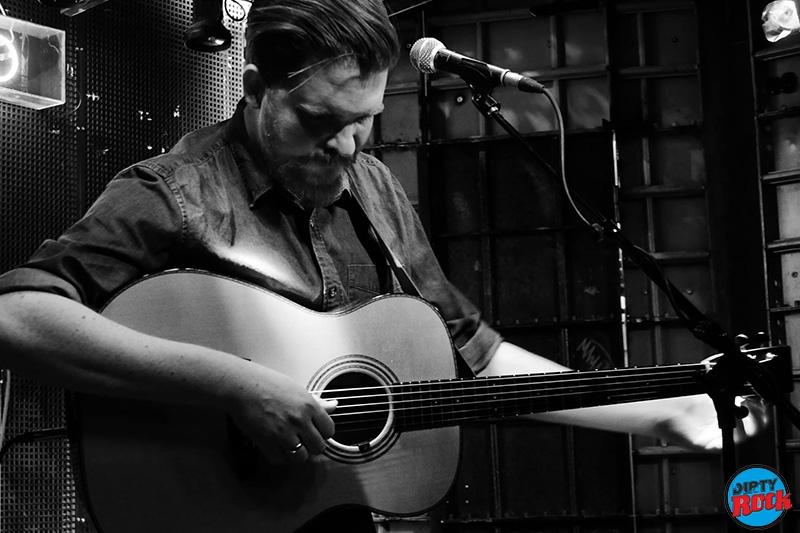 John Smith presentó su nuevo disco Headlong.2