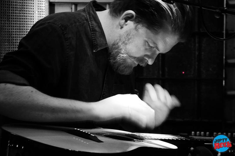 John Smith presentó su nuevo disco Headlong