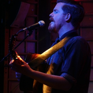 John Smith presentó su nuevo disco Headlong.4