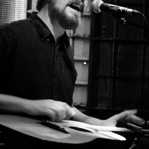 John Smith presentó su nuevo disco Headlong.8