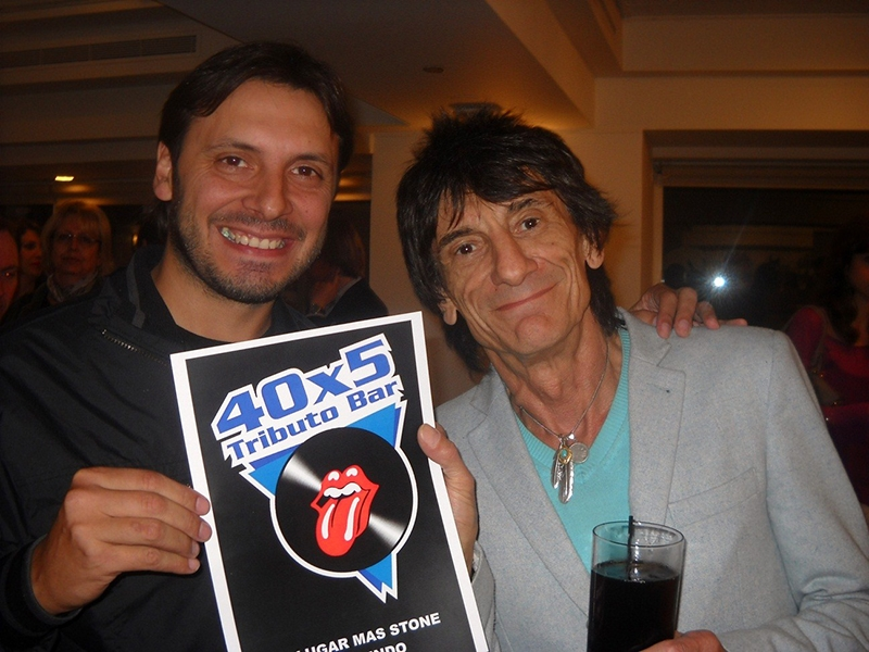 40x5 Tributo Bar con Ronnie Wood