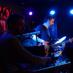 Random Thinking Right here and now Sala Clamores Madrid.7