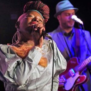 Shirley Davis & The SilverBacks Wishes & wants nuevo disco.12