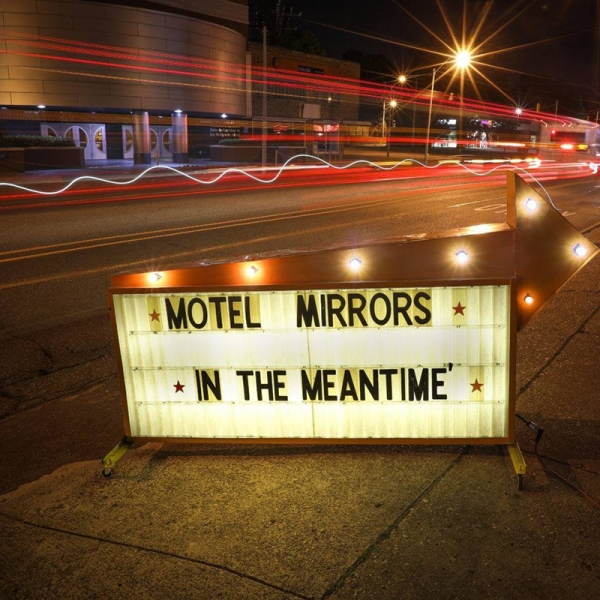 John Paul Keith publica por partida doble Heart shaped shadow y con los Motel Mirrors, In the Meantime