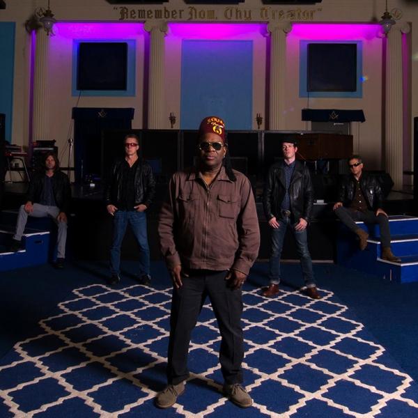 Gira de Barrence Whitfield & The Savages de gira en mayo para presentar Soul Flowers of Titan 2018