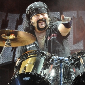 Adiós a Vinnie Paul, batería de Pantera, Hellyeah, Damageplan y Rebel meet Rebel