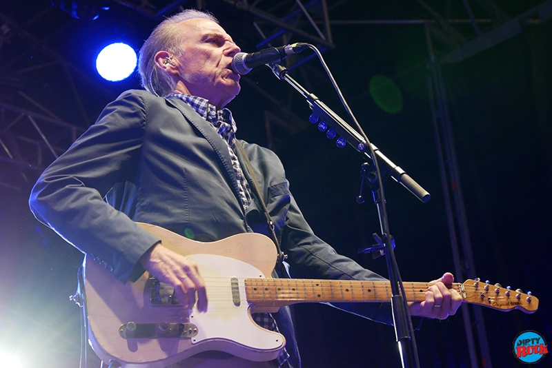John Hiatt publica nuevo disco The Eclipse Sessions.