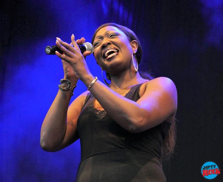 Shanna Waterstown Moratalaz Blues.6