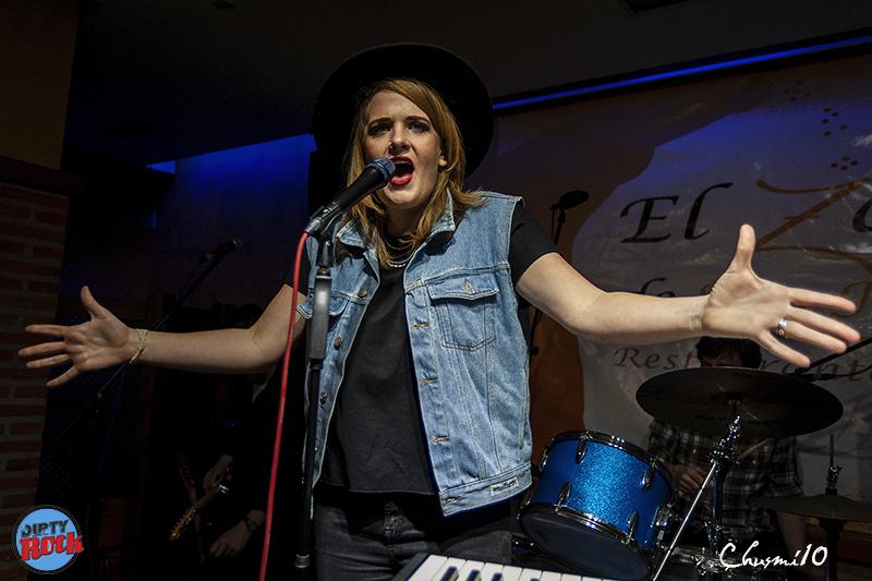 Elles Bailey presentó su nuevo disco Road I Call Home 2019