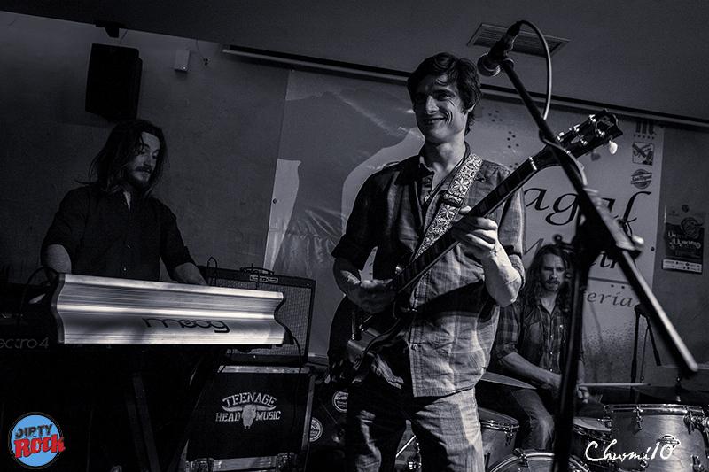 Travers Brothership presentaron su nuevo disco Let The World Decide.
