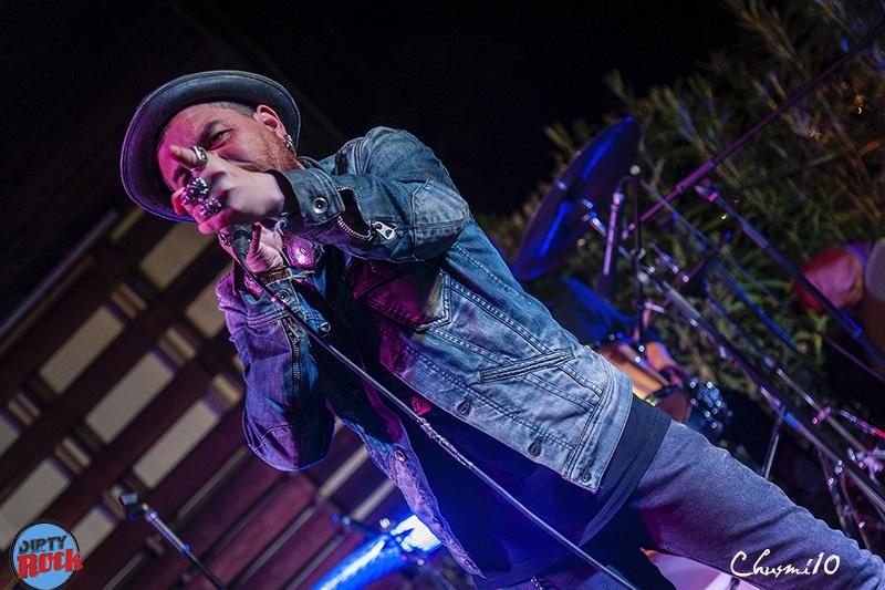 Jimmy-Barnatan-The-Cocooners-en-el-Blues-Roots-Festival.