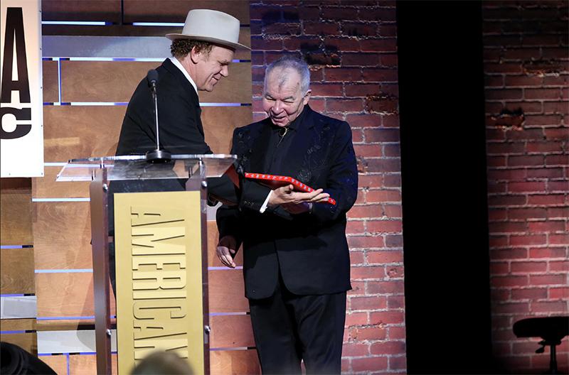 John-Prine-triunfa-en-los-premios-de-la-Americana-Music-Awards