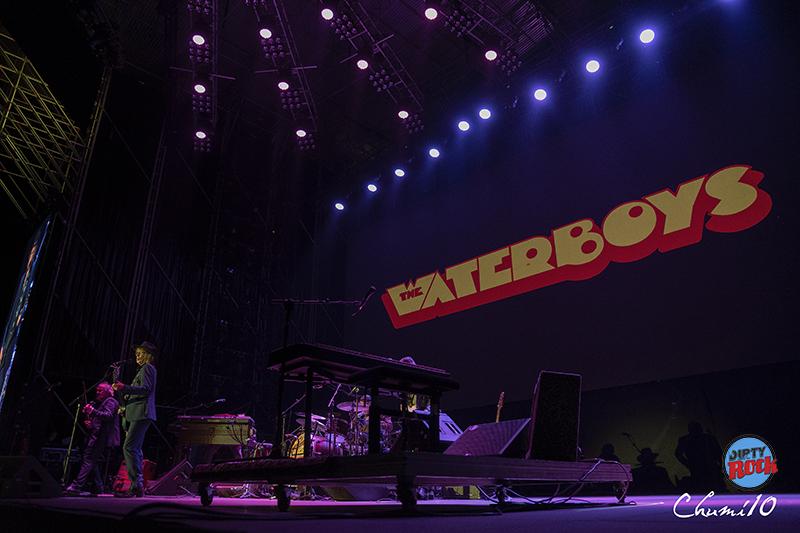 Rod-Stewart-The-Waterboys-y-Rulo-y-La-Contra-Banda-en-el-Músicos-en-la-Naturaleza-2019.4