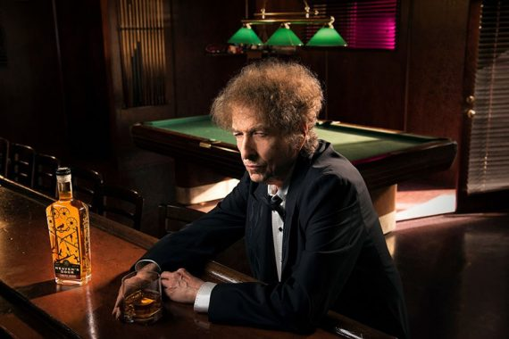 Bob Dylan regresa a la radio Theme Time Radio Hour con el tema Whiskey 2020