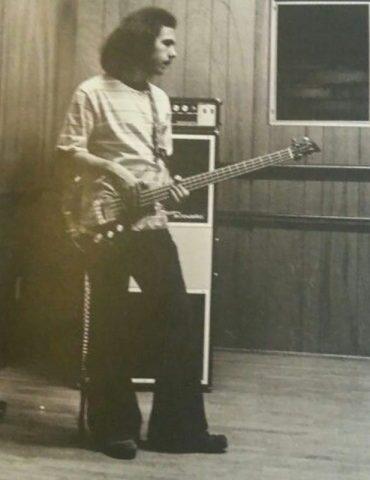 Adiós la primer bajista de Van Halen, Mark Stone