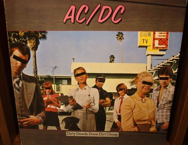 ACDC Dirty Deeds Done Dirt Cheap disco