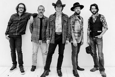 Lukas Nelson & Promise of the Real anuncian nuevo disco, A Few Stars Apart