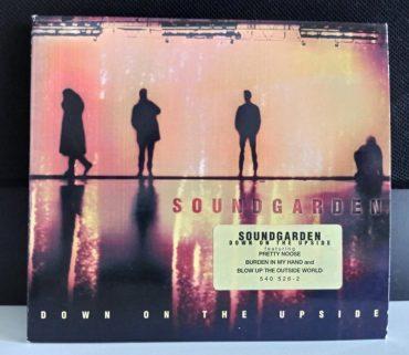 Soundgarden – Down On The Upside