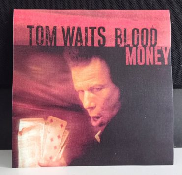Tom Waits tal día como hoy publicó Blood Money